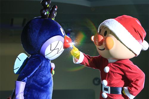 ▲メインステージ「みんないっしょに メリークリスマス!」