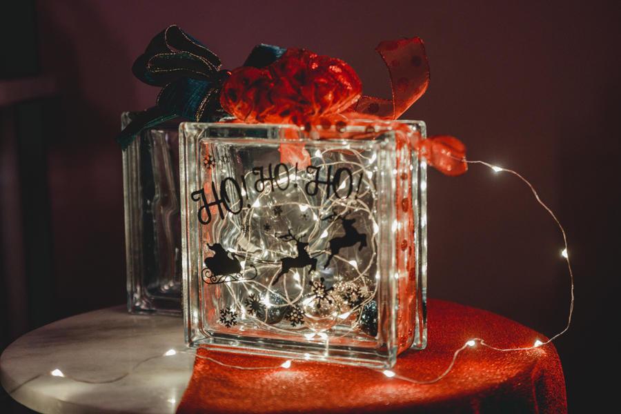 ▲クリスマス限定ガラスキューブブロック作り 参加費:4,000円(税込)