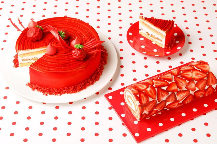 ▲写真左から:真っ赤なマロンのショートケーキ/トマトとチーズのストロベリーロールケーキ