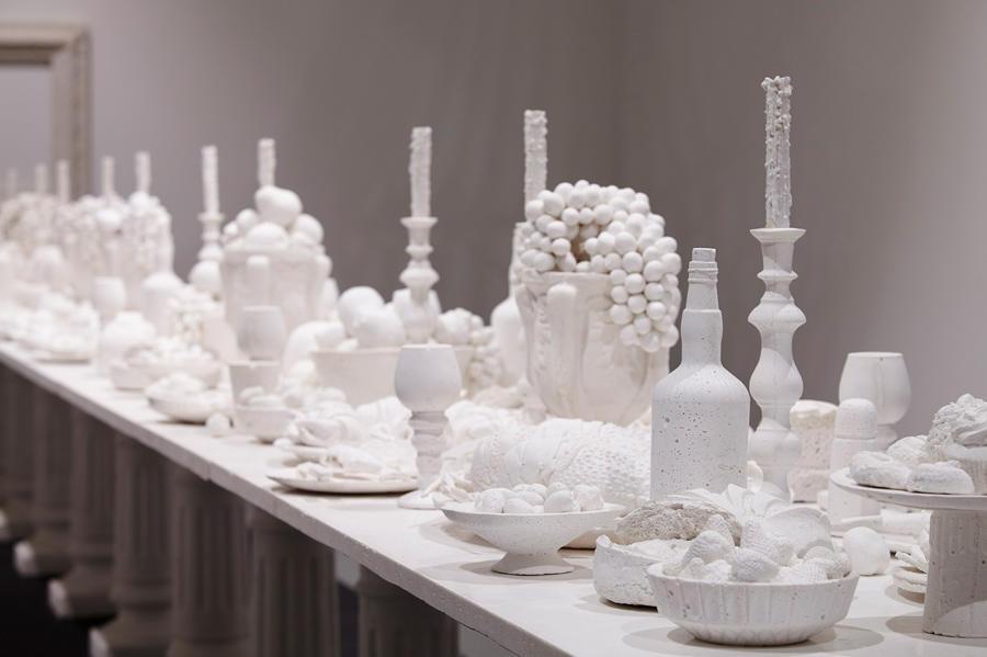 ▲最後の晩餐(部分)2014  (C)Ken + Julia Yonetani     Courtesy of the Artists and Mizuma Art Gallery