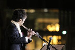 ▲点灯式 フルーティスト 長谷見誠氏によるオープニング演奏