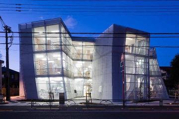 建築美にも注目!読書の秋に行きたい、おしゃれ図書館