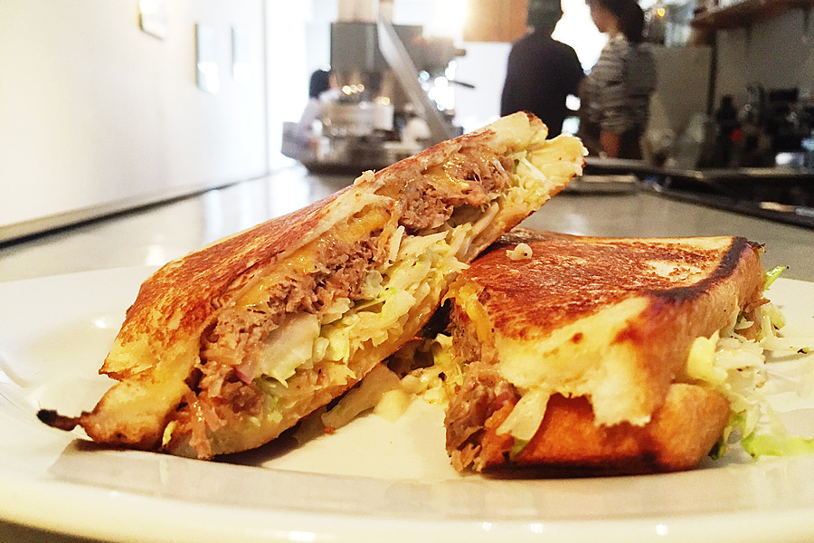 プルドポーク+チーズのホットサンド