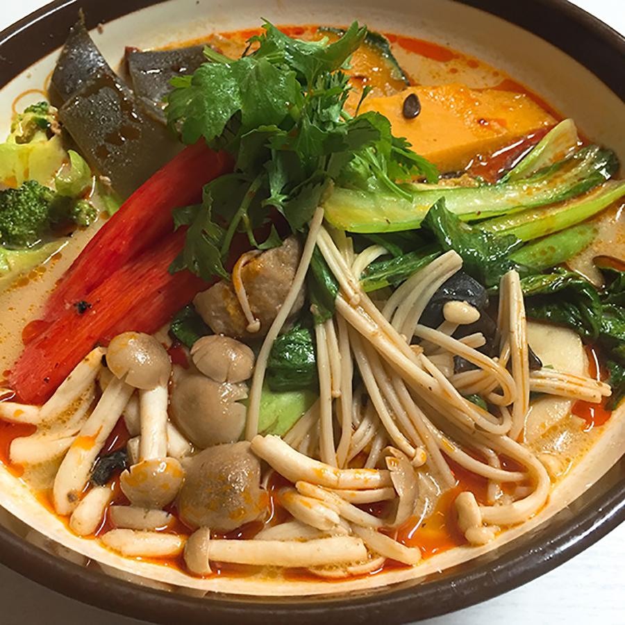 池袋「張亮麻辣湯」の麻辣タン麺(800円)