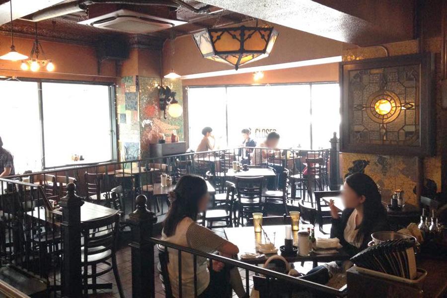 Yonchome Cafe 店内