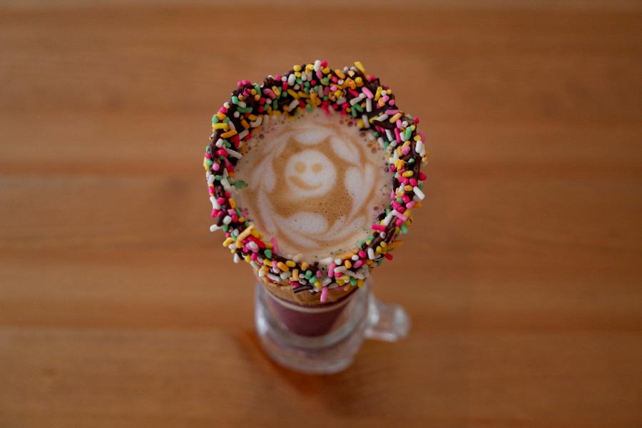 COFFEE CONE TOKYOスイートカフェラテ