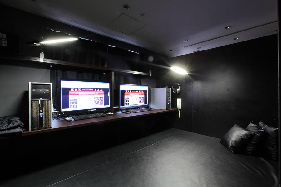 グランサイバーカフェ バグース六本木店VIP席