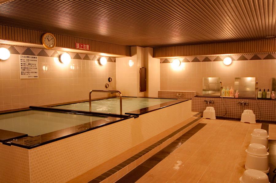 磊の温泉 六本木VIVI大浴場