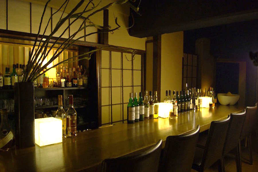 Bar kansui店内