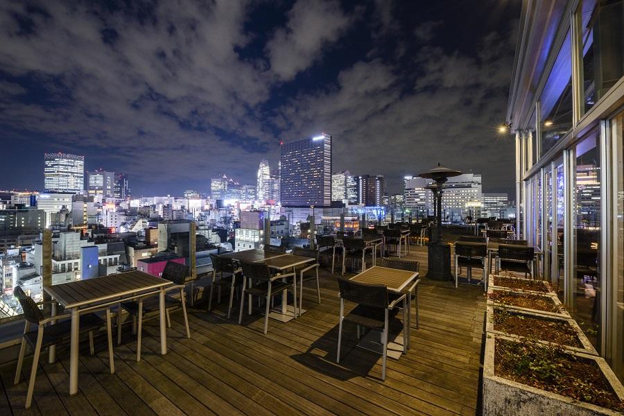 新宿グランベルホテルroof top bar & terrace Gテラス席
