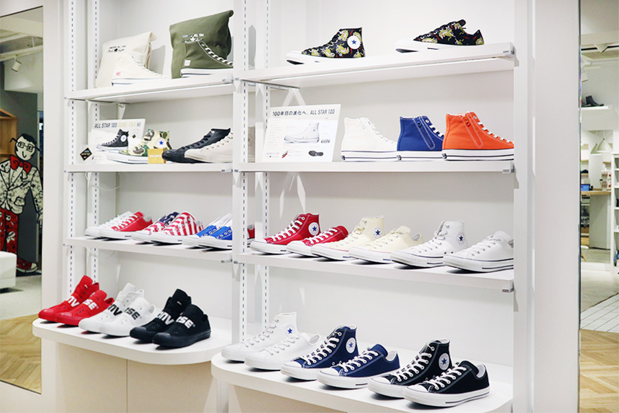 White atelier BY CONVERSE 春の新作