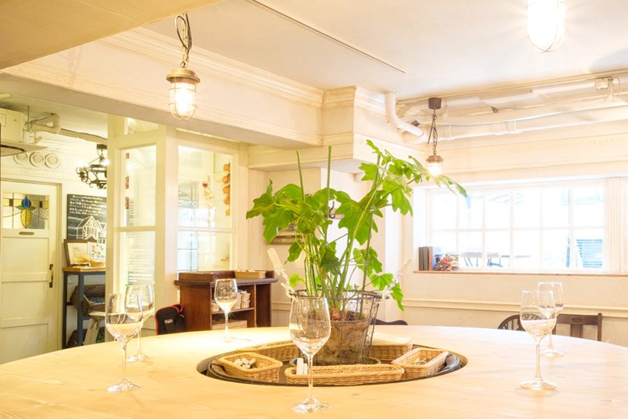 野菜がおいしいカフェLONGING HOUSE神宮前・原宿内観