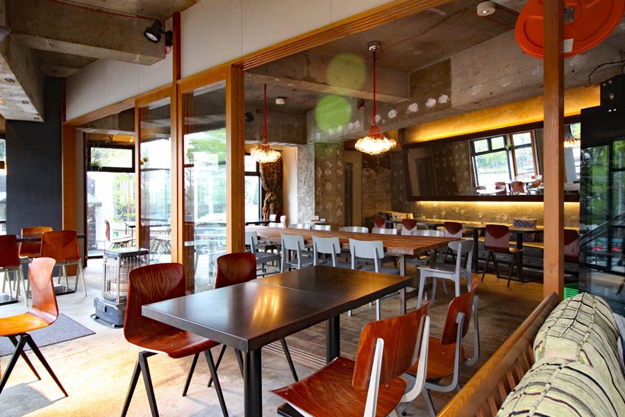 KOMAZAWA PARK CAFE店内