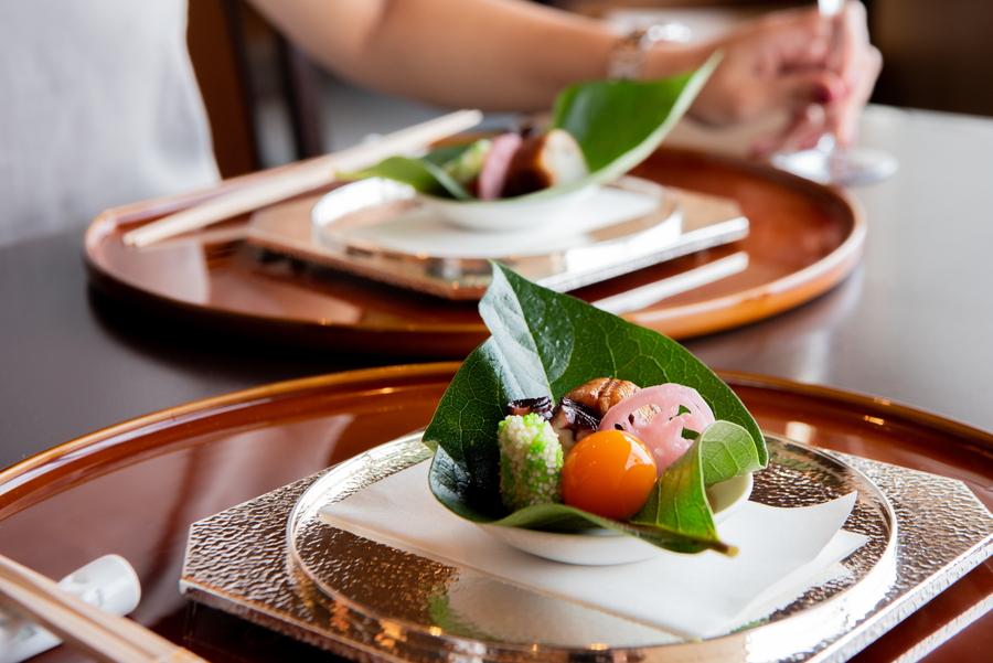 横浜ロイヤルパークホテル 四季亭 料理イメージ