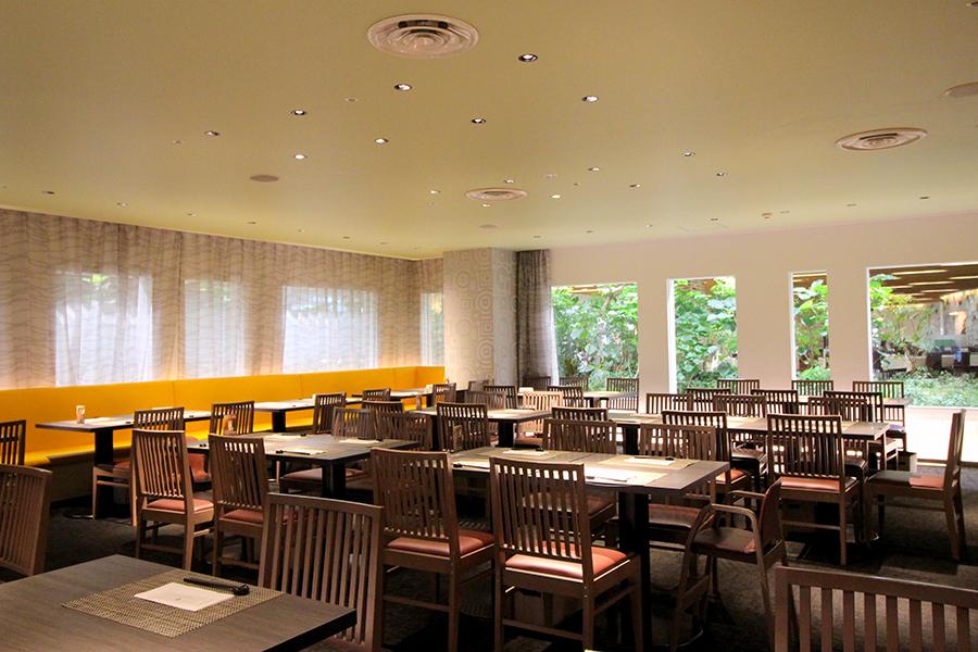 ホテルオークラレストラン横浜 サファイア 飲食スペース