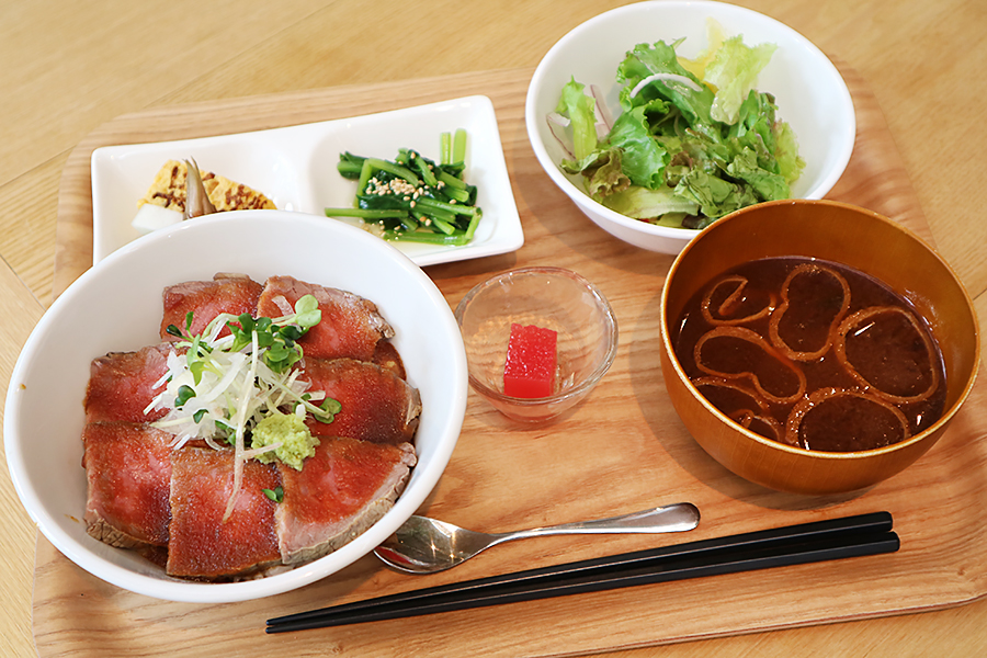 TOKYO ALEWORKS ローストビーフ丼