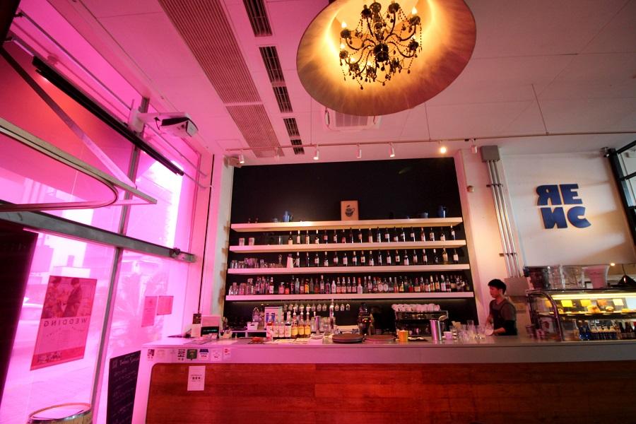 Riverside Cafe Cielo y Rio店内