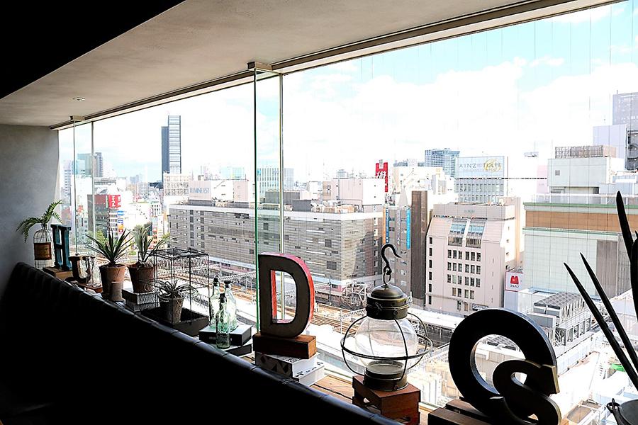 CAFE HUDSON 窓