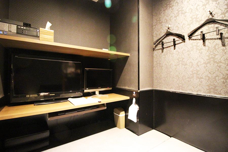 CUSTOMA CAFE 歌舞伎町店個室
