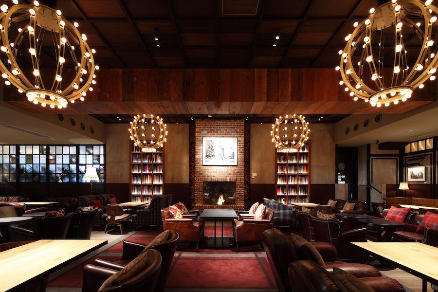 eplus LIVING ROOM CAFE&DINING 内観