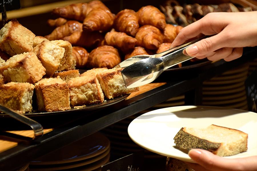 MORETHAN TAPAS LOUNGE 「MORETHAN BAKERY」のパン