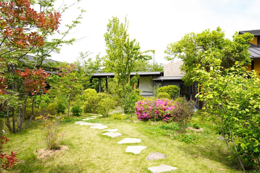 杉戸天然温泉 雅楽の湯中庭