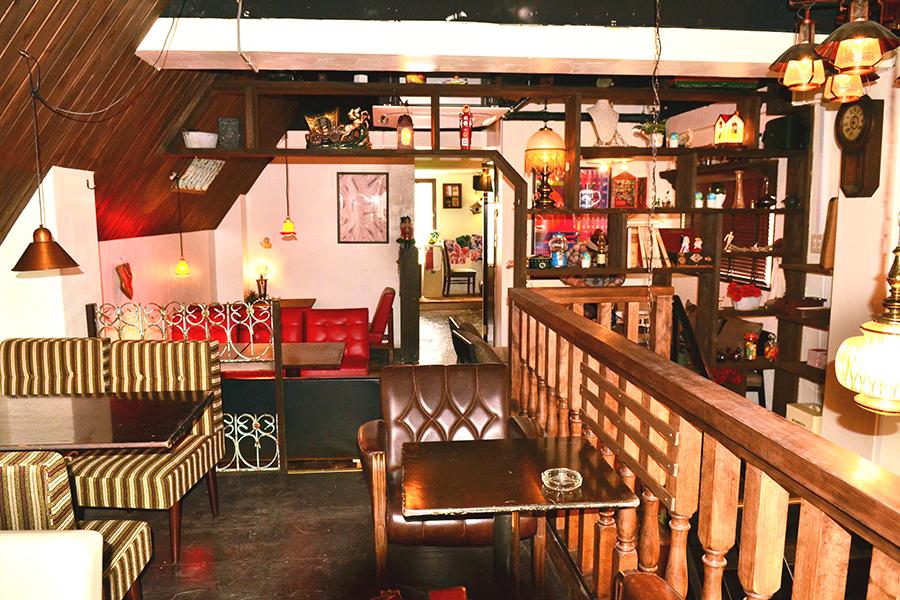 attic room SHINJUKU