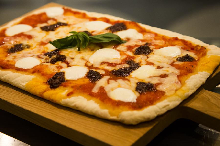 ンドゥイヤとリコッタチーズのピッツァ