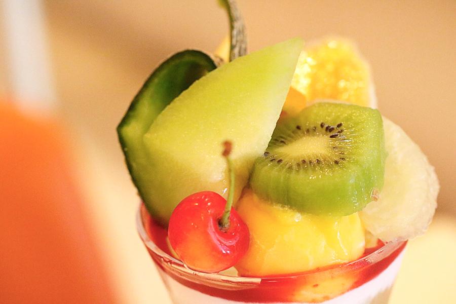 フルーツパフェ