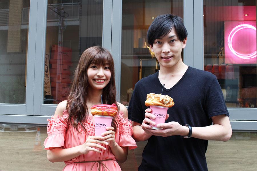 脇田茉奈さん(左)