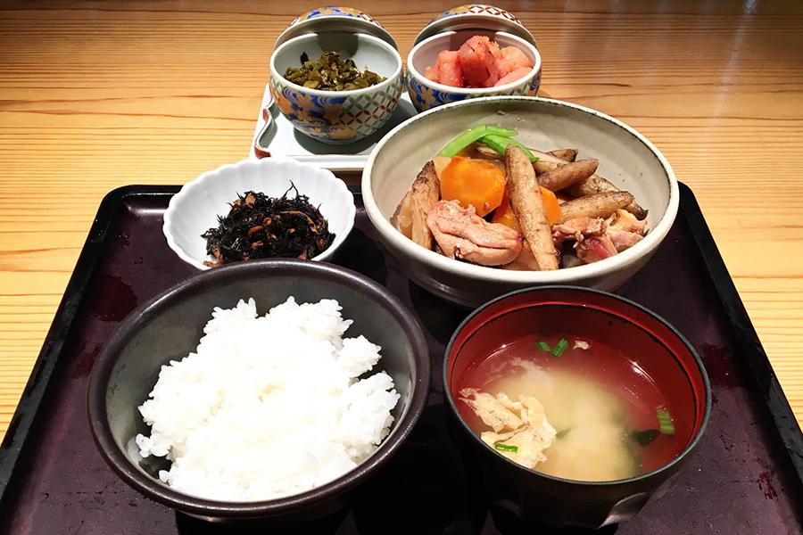 博多郷土料理 がめ煮(筑前煮)定食