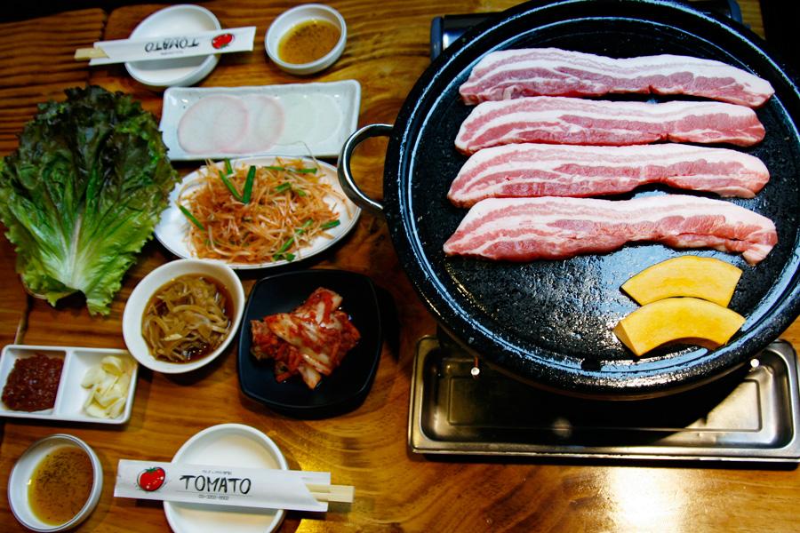 韓国家庭料理 トマト三枚肉