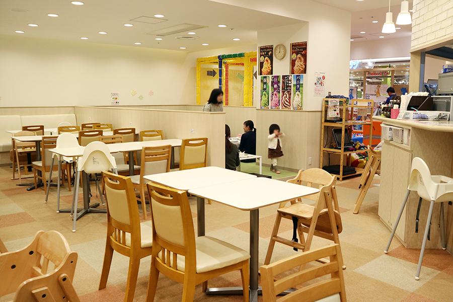 dearKIDSカフェスペース