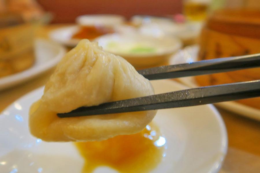 北京烤鴨店 小籠包、海老入り蒸し餃子