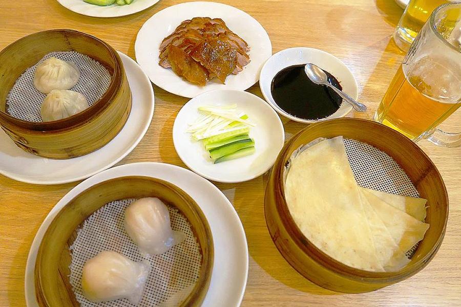 北京烤鴨店 手作り小籠包、海老入り蒸しぎょうざ、北京ダック