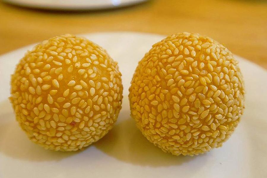 北京烤鴨店 ごま団子、ココナッツ団子