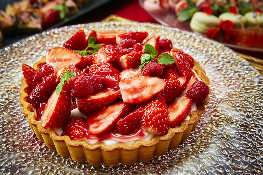 京王プラザホテル 鏡の国のスイーツパーティ~アリスとSweet Strawberry~