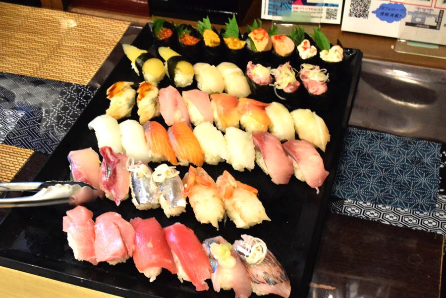 リトルサケスクエア お寿司食べ放題