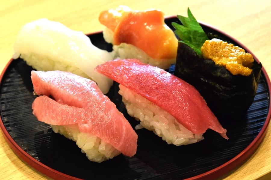 リトルサケスクエア 寿司