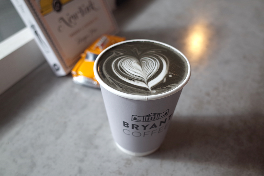 BRYANT COFFEブラックラテ