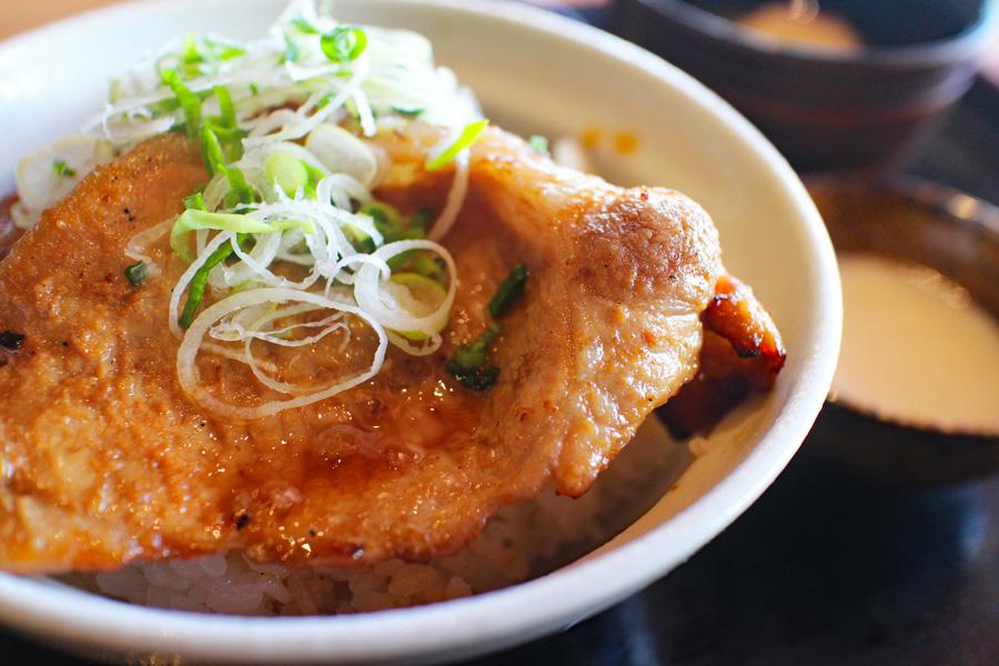 祭の湯炙り豚味噌丼