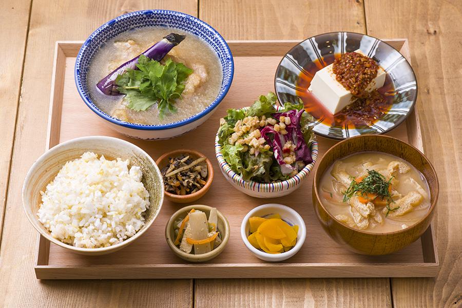 atari CAFÉ&DINING 週替わり定食