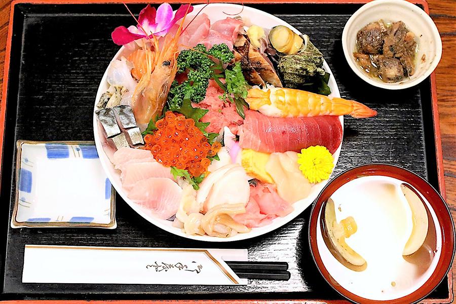 割烹さいとう海鮮丼