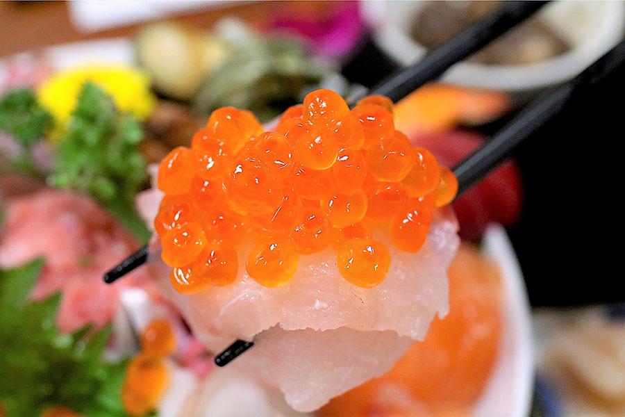 割烹さいとう海鮮丼イクラ