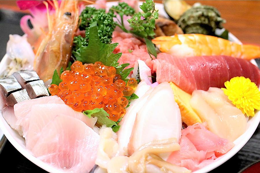 割烹さいとう海鮮丼アップ3