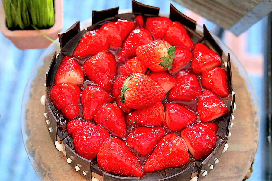 ストロベリービュッフェ いちごのガーデンバスケットケーキ