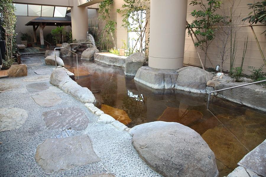 東京ドーム天然温泉 スパ ラクーア露天風呂