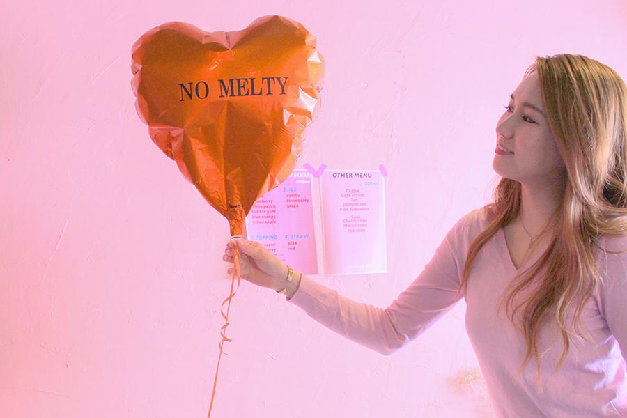 NO MELTY CAFÉ ハート型の風船