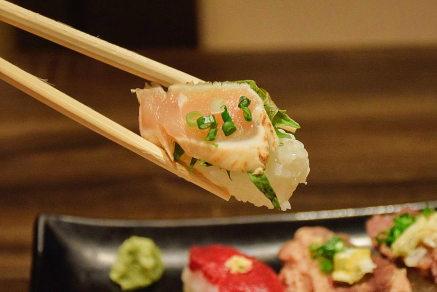 雫no庭 炙り鶏寿司