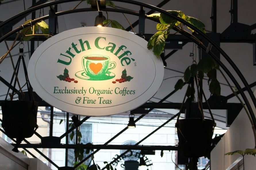 Urth caffe 表参道 店内